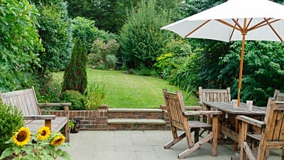 How to Beautify Your Yard to Prevent Mosquitoes